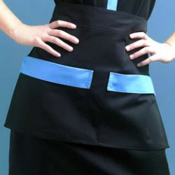 Short apron with 2 pockets...