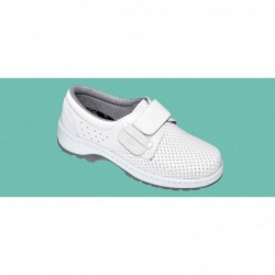 PAIR WHITE SHOE WITHOUT...